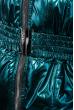 Костюм женский теплый, оттенки металлик, с мехом на плечах 69PD1064 изумрудный металик